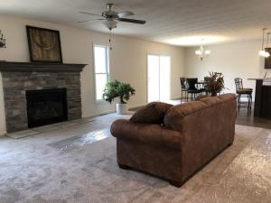 Winslow family room